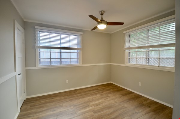 Well Lighted Private Cottage with private entrance from street Home Rental in San Jose 4 - thumbnail