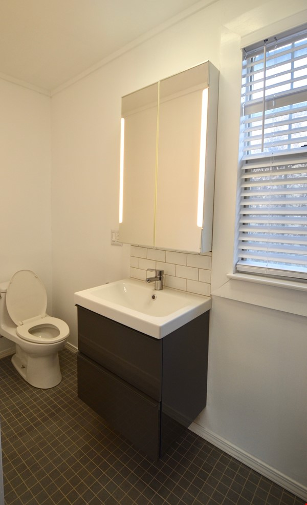 Well Lighted Private Cottage with private entrance from street Home Rental in San Jose 7 - thumbnail