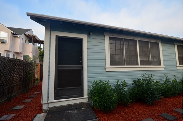 Well Lighted Private Cottage with private entrance from street Home Rental in San Jose 8 - thumbnail