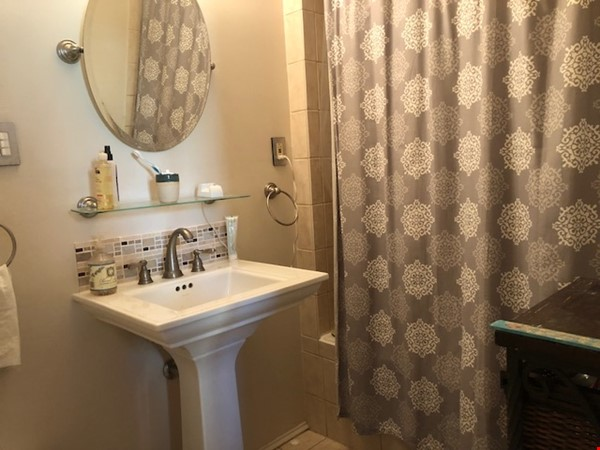 Columbia Heights DC Lovely Third Floor Home Rental in Washington 2 - thumbnail