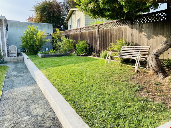 Beautiful craftsman home near UC Berkeley Home Rental in Oakland 8 - thumbnail