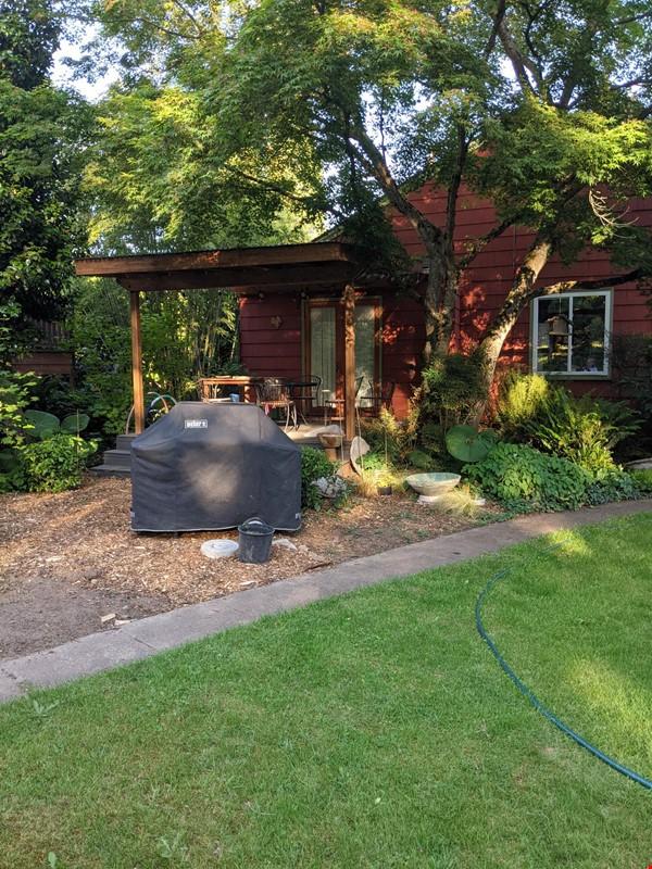 Cozy Fun Ravenna Home Home Rental in Seattle 8 - thumbnail