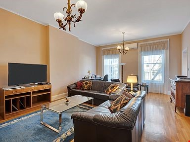 Brownstone for rent Home Rental in  4 - thumbnail