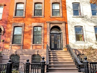 Brownstone for rent Home Rental in  9 - thumbnail