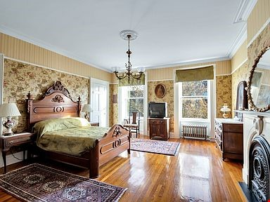 Brownstone for rent Home Rental in  6 - thumbnail
