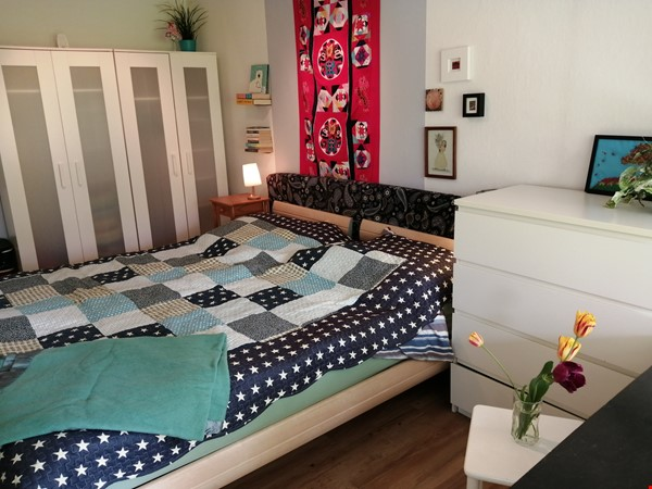 Grunewald apartment with large garden, 6 minutes by S-Bahn from city west Home Rental in Berlin 3 - thumbnail