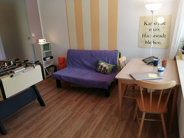 Grunewald apartment with large garden, 6 minutes by S-Bahn from city west Home Rental in Berlin 2 - thumbnail