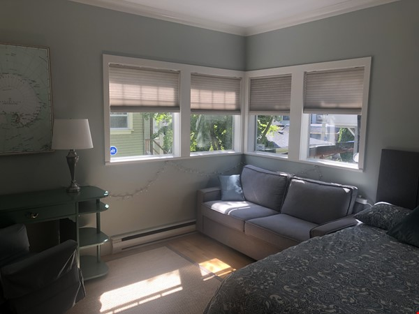 Large, elegant, furnished apartment in Kitsilano, near the beach, UBC Home Rental in Vancouver 8 - thumbnail