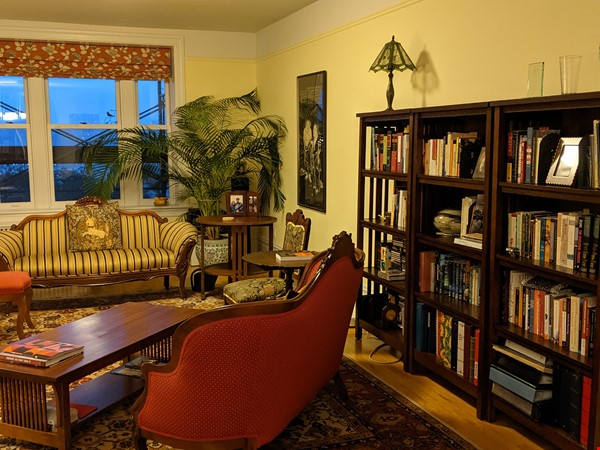Historic apartment near Columbia with views of the Hudson and Riverside Pk Home Rental in New York 1 - thumbnail