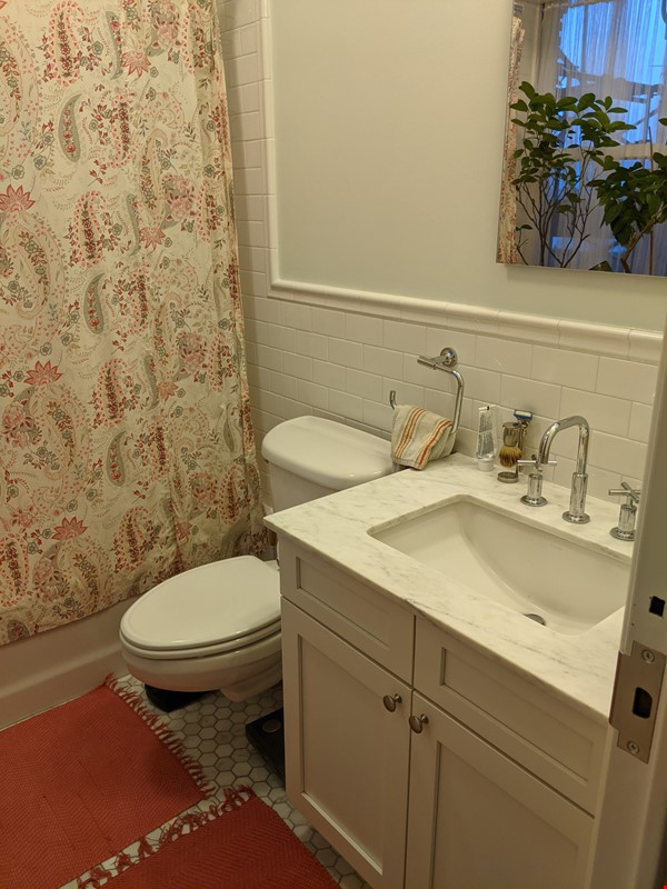 Historic apartment near Columbia with views of the Hudson and Riverside Pk Home Rental in New York 4 - thumbnail