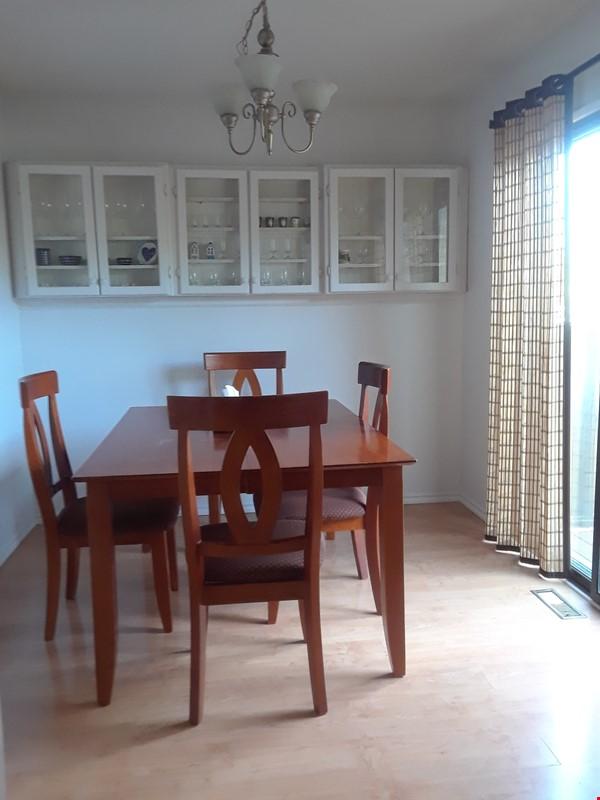 Cozy Semi-Detached in Inner City Neighbourhood Home Rental in Calgary 2 - thumbnail