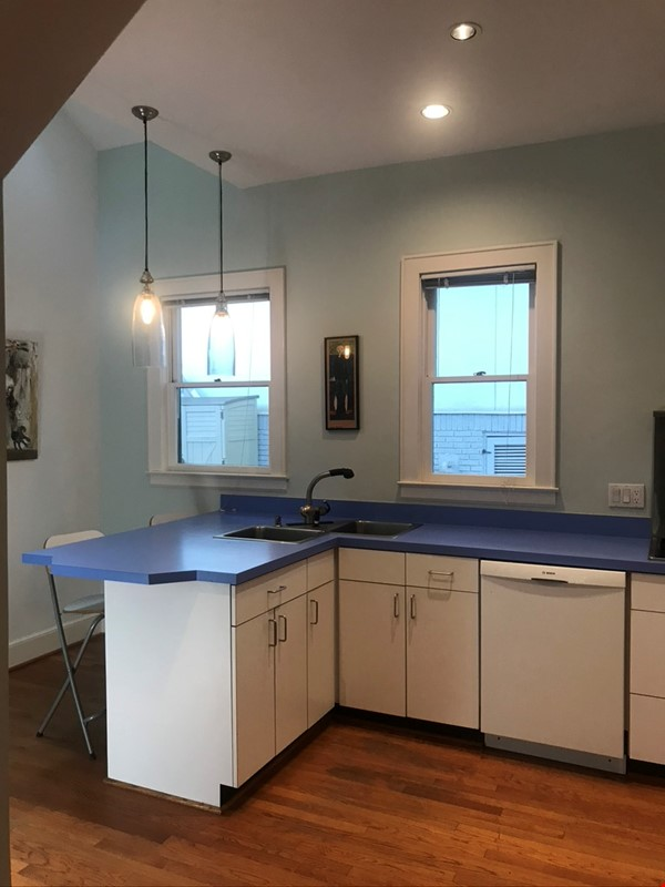 Beautiful corner hilltop setting only two blocks away from Piedmont Park Home Rental in Atlanta 3 - thumbnail