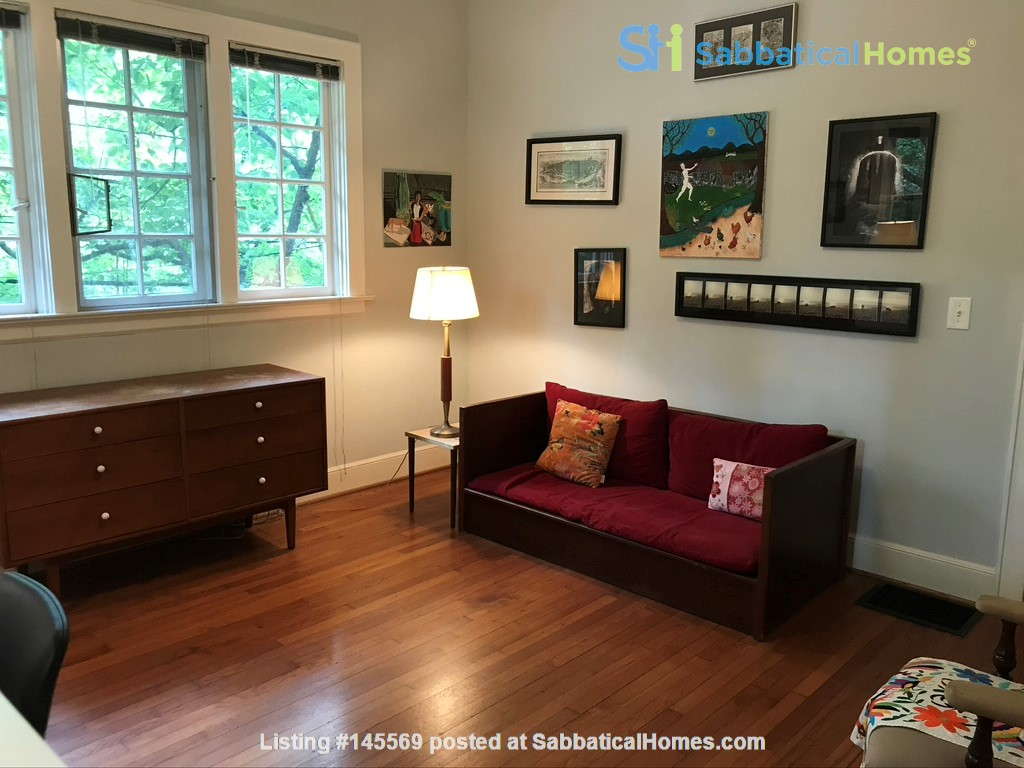 Beautiful corner hilltop setting only two blocks away from Piedmont Park Home Rental in Atlanta 4