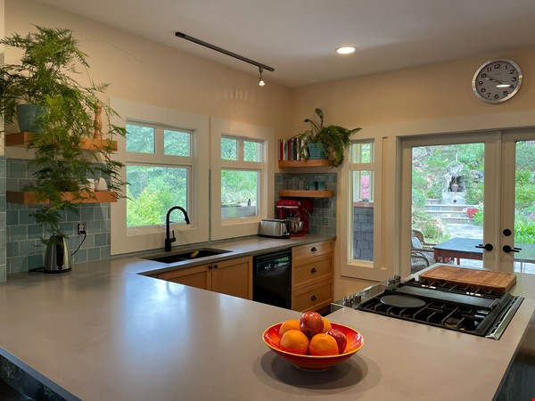 Beautiful private Bowen Island home on 5 acres with studio space and pool Home Rental in Bowen Island 1 - thumbnail