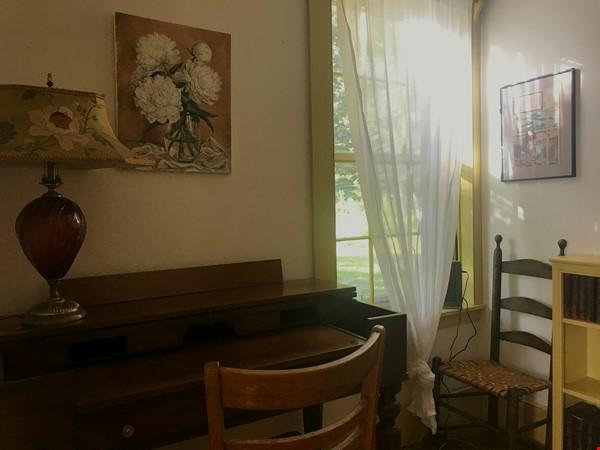 A Rural Writer's Sanctuary Home Rental in Bridport 6 - thumbnail