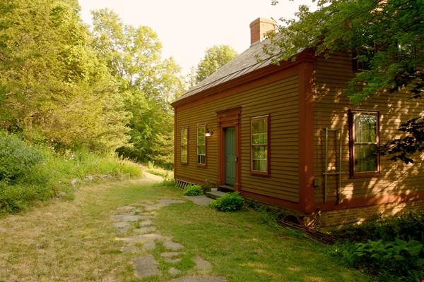 A Rural Writer's Sanctuary Home Rental in Bridport 0 - thumbnail