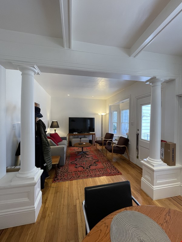 San Francisco cottage charm in a neighborhood with all the amenities Home Rental in SF 1 - thumbnail