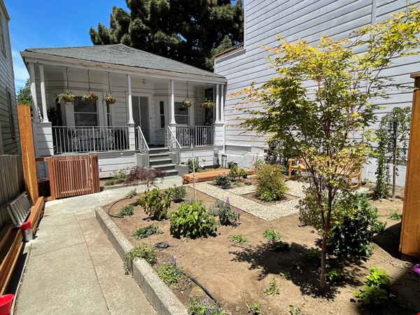 San Francisco cottage charm in a neighborhood with all the amenities Home Rental in SF 0 - thumbnail