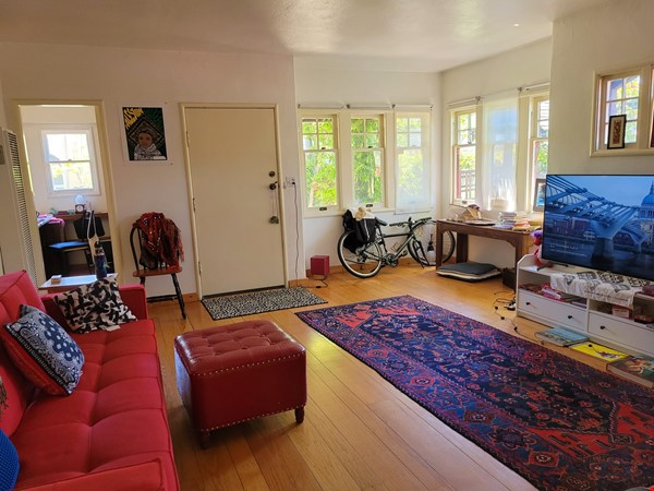 Beautiful, furnished sunny house with big garden patio and a closet-office Home Rental in Berkeley 0 - thumbnail