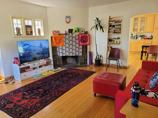 Beautiful, furnished sunny house with big garden patio and a closet-office Home Rental in Berkeley 1 - thumbnail