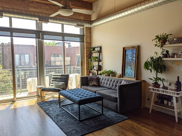 Bucktown/Wicker:*Furnished* spacious lofted condo, walk to dining, CTA, etc Home Rental in Chicago 1 - thumbnail