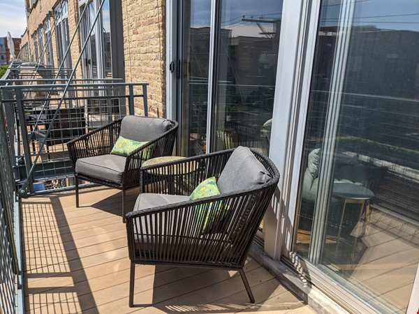 Bucktown/Wicker:*Furnished* spacious lofted condo, walk to dining, CTA, etc Home Rental in Chicago 2 - thumbnail