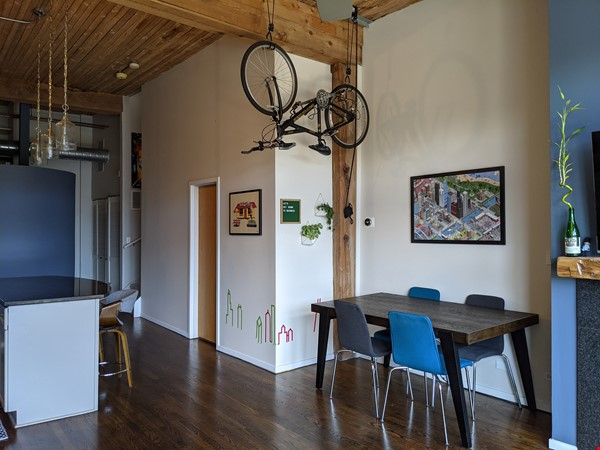 Bucktown/Wicker:*Furnished* spacious lofted condo, walk to dining, CTA, etc Home Rental in Chicago 4 - thumbnail