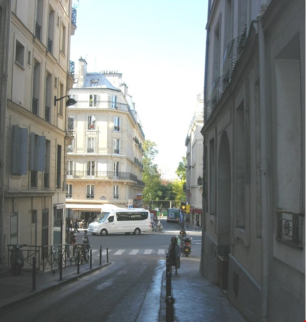 A quiet home in the very center of Paris, in the Quartier Latin Home Rental in Paris 1 - thumbnail