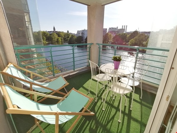 Sunny river view 3-room/80sqm apt. with concierge, elevator & parking Home Rental in Berlin 0 - thumbnail