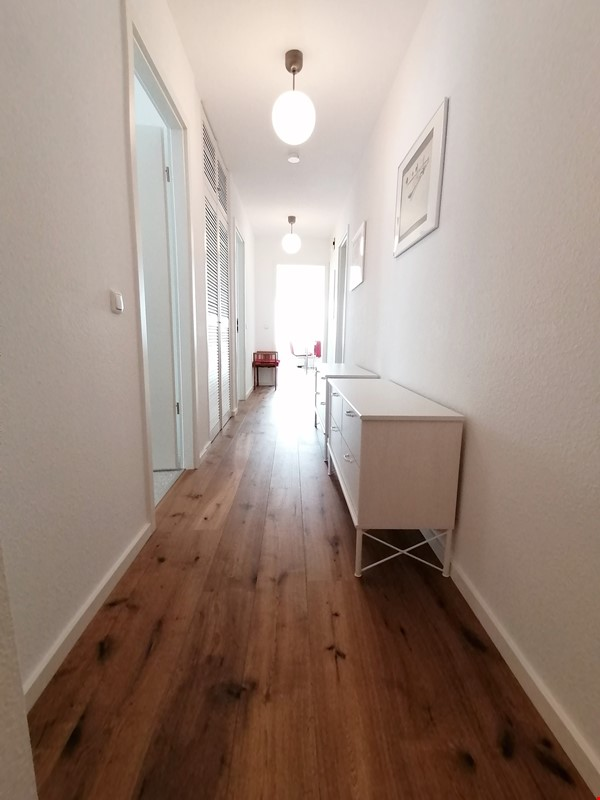 Sunny river view 3-room/80sqm apt. with concierge, elevator & parking Home Rental in Berlin 4 - thumbnail