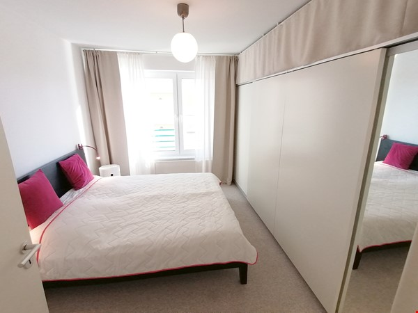 Sunny river view 3-room/80sqm apt. with concierge, elevator & parking Home Rental in Berlin 6 - thumbnail