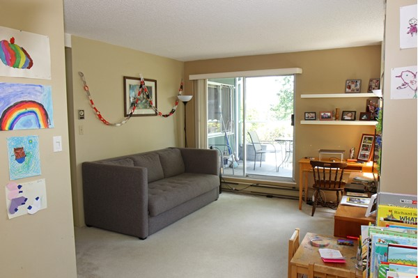 Vancouver seawall apartment with downtown and harbor views, furnished 2BR Home Rental in Vancouver 6 - thumbnail