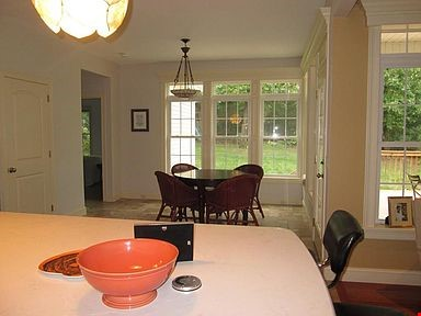 Lovely home, walking distance to Mount Holyoke and near the Five Colleges Home Rental in South Hadley 3 - thumbnail
