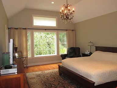 Lovely home, walking distance to Mount Holyoke and near the Five Colleges Home Rental in South Hadley 5 - thumbnail