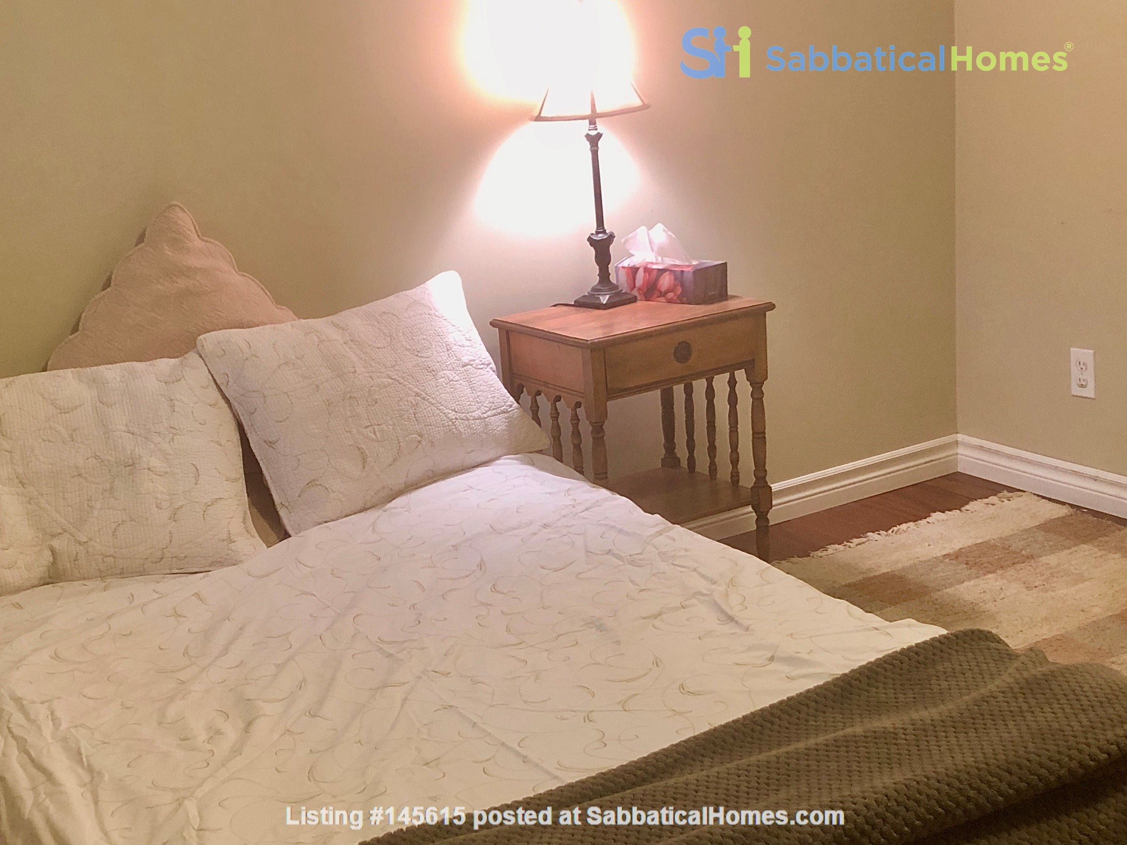 Apartment in quiet bungalow, 10 minutes walk to U of Guelph campus. Home Rental in Guelph, Ontario, Canada 5
