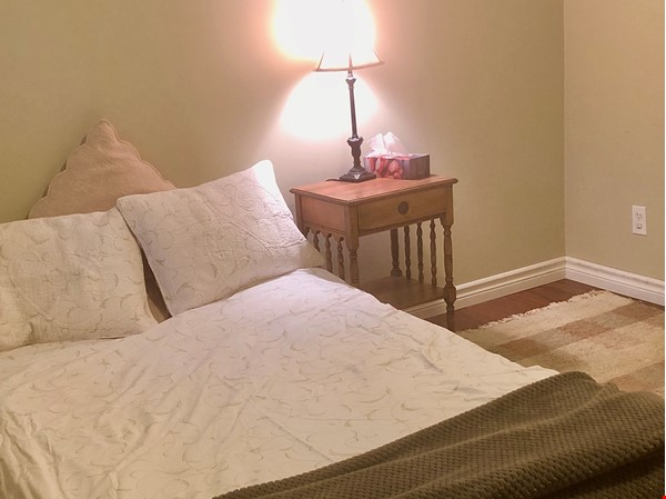 Apartment in quiet bungalow, 10 minutes walk to U of Guelph campus. Home Rental in Guelph 5 - thumbnail