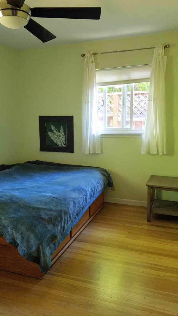 Charming, Quiet Bungalow near Stanford for AY 2021-2022 Home Rental in Mountain View 4 - thumbnail