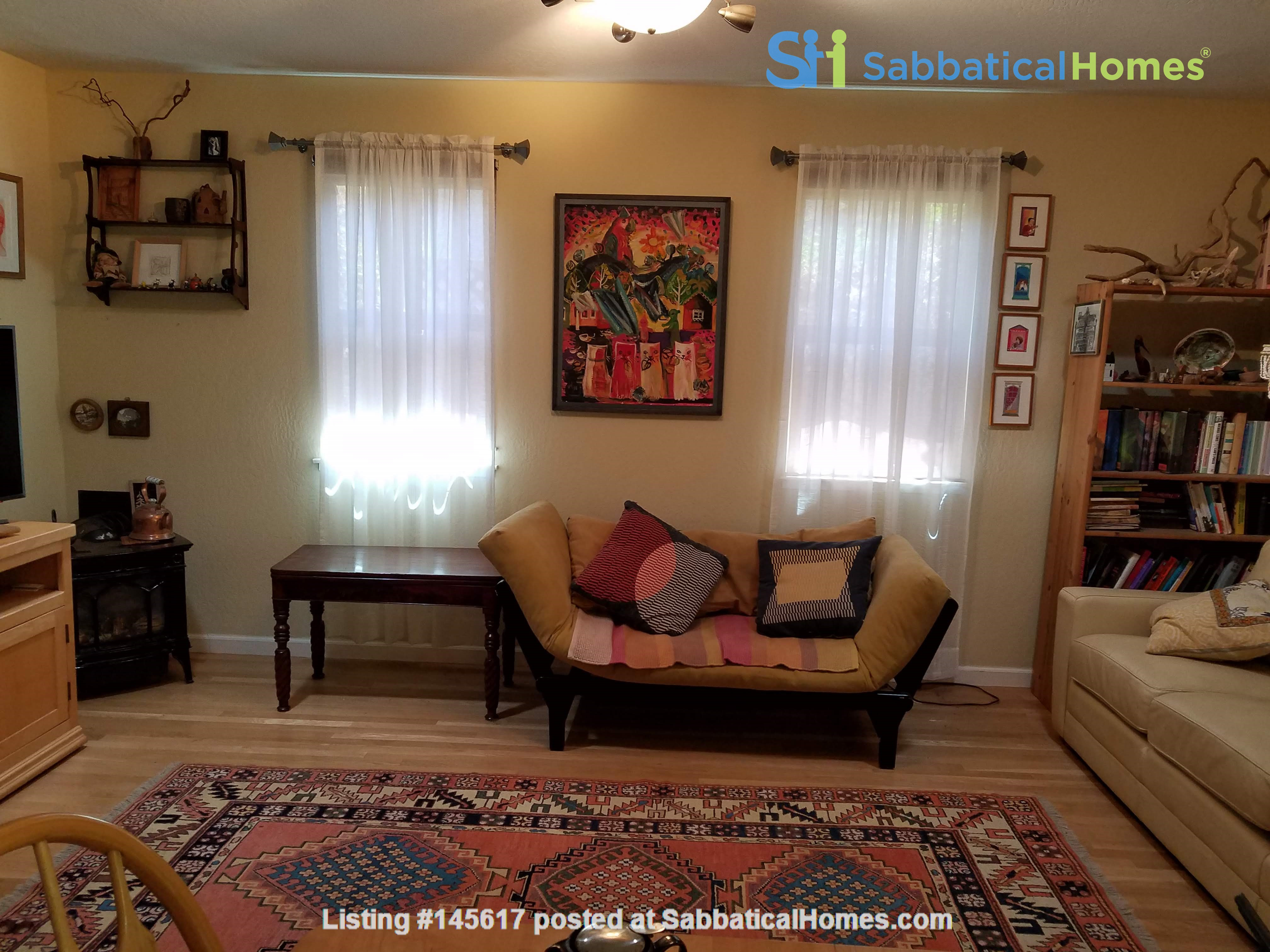 Charming, Quiet Bungalow near Stanford for AY 2021-2022 Home Rental in Mountain View, California, United States 3