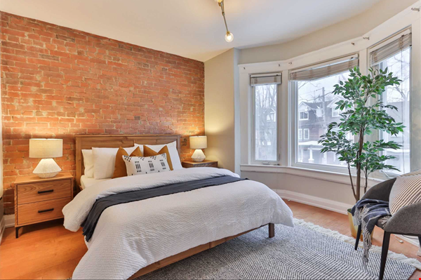 Beautiful open-concept home in the heart of Leslieville, Toronto Home Rental in Toronto 4 - thumbnail