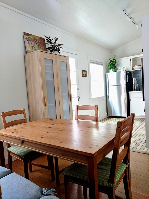 CHARMING PRIVATE COTTAGE 1 BR/1 BA + Office/studio space (720sft) Home Rental in San Rafael 2 - thumbnail