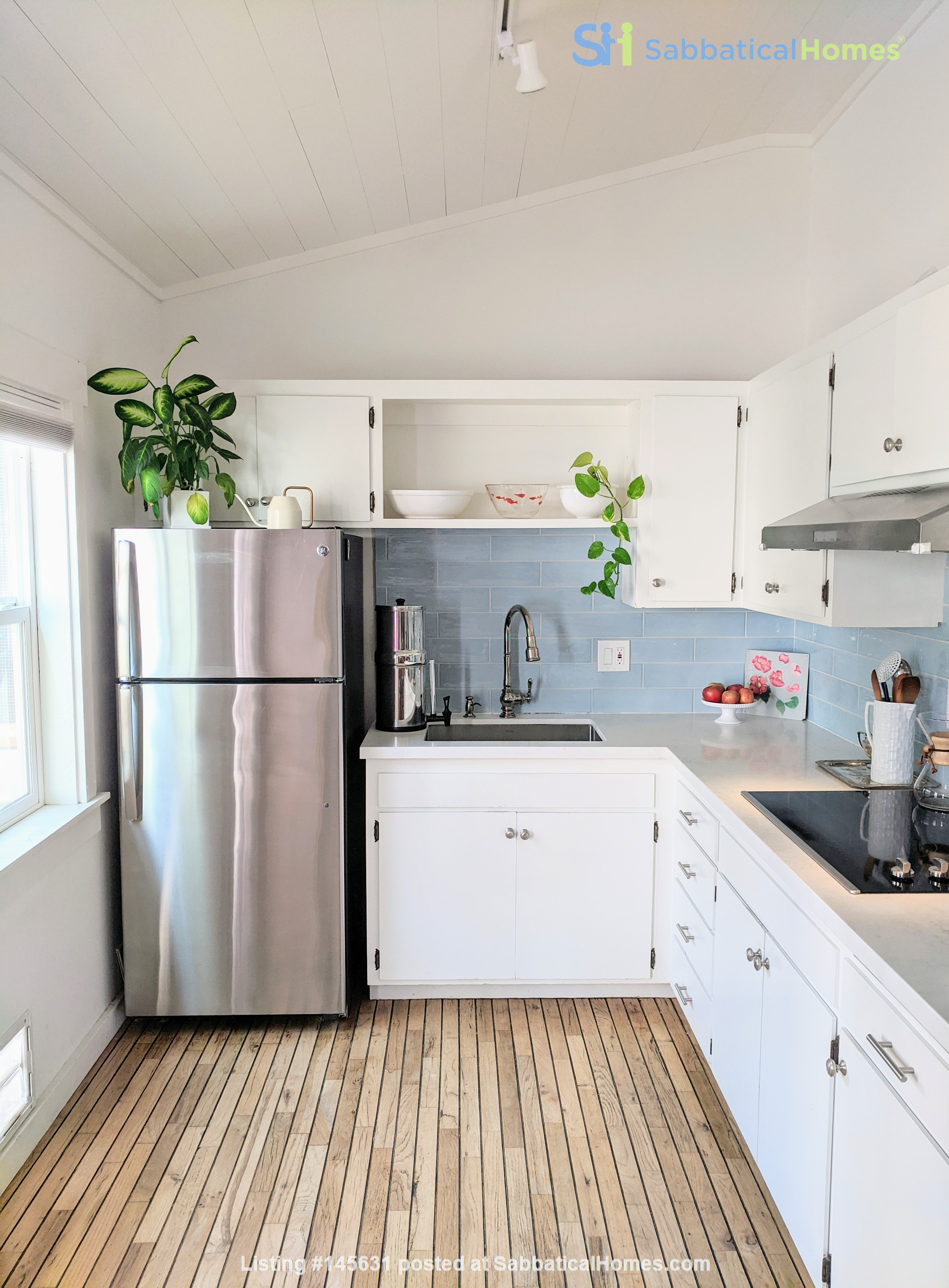 CHARMING PRIVATE COTTAGE 1 BR/1 BA + Office/studio space (720sft) Home Rental in San Rafael, California, United States 3