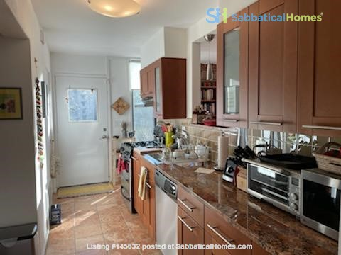 A beautiful, well-lit, furnished modern condo in historic Wooster Square Home Rental in New Haven, Connecticut, United States 3