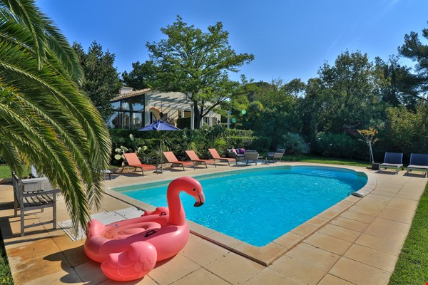 Your own bungalow in Provence - large garden and pool - close to city Home Exchange in La Garde 0 - thumbnail