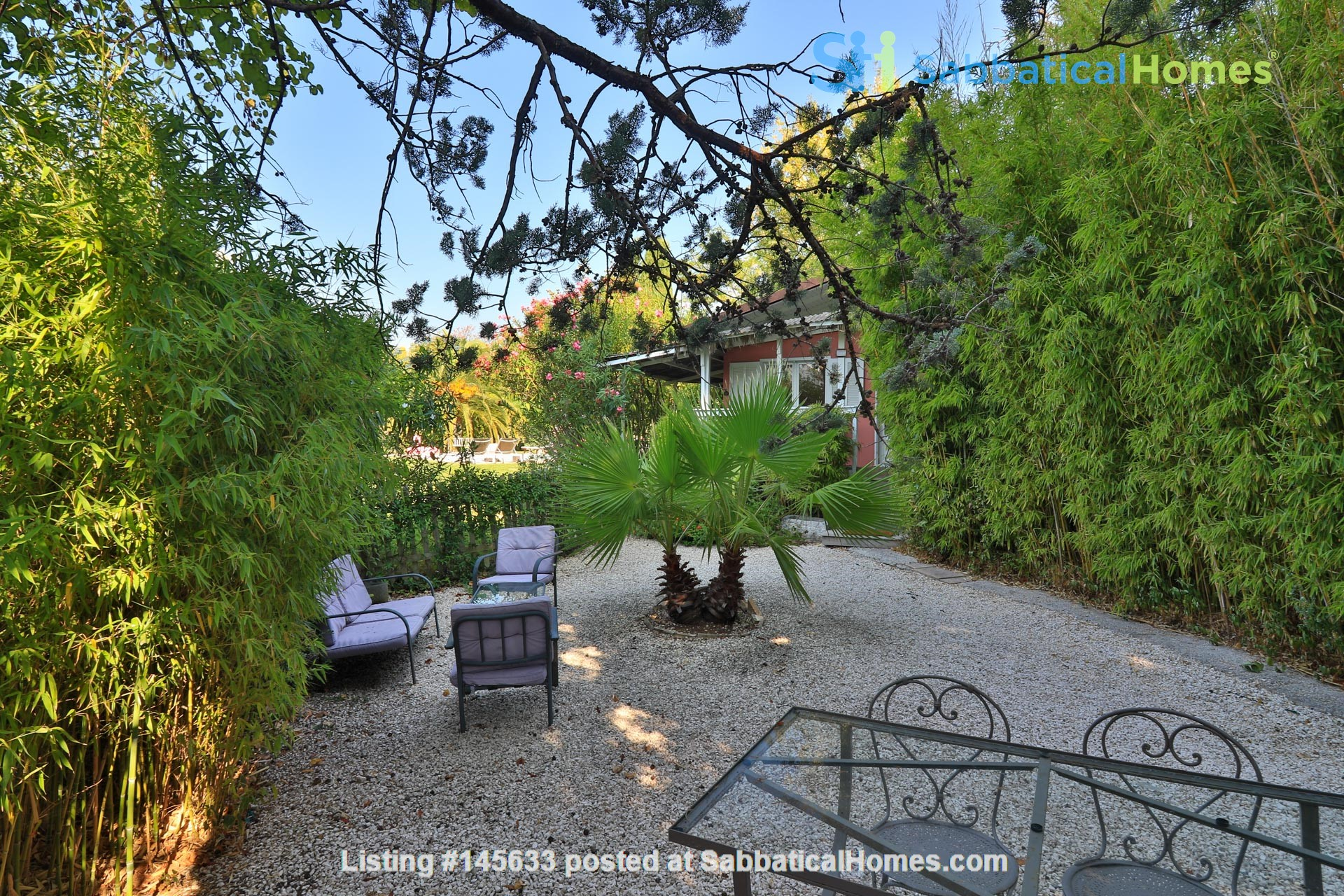 Your own bungalow in Provence - large garden and pool - close to city Home Exchange in La Garde, Provence-Alpes-Côte d'Azur, France 2