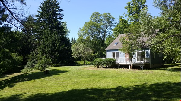 2 bedroom country house / 25 miles North of Boston and Cambridge Home Rental in Andover 0 - thumbnail