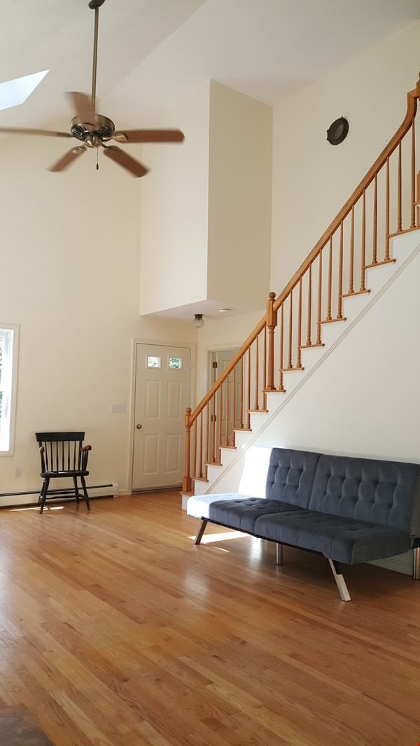 2 bedroom country house / 25 miles North of Boston and Cambridge Home Rental in Andover 4 - thumbnail