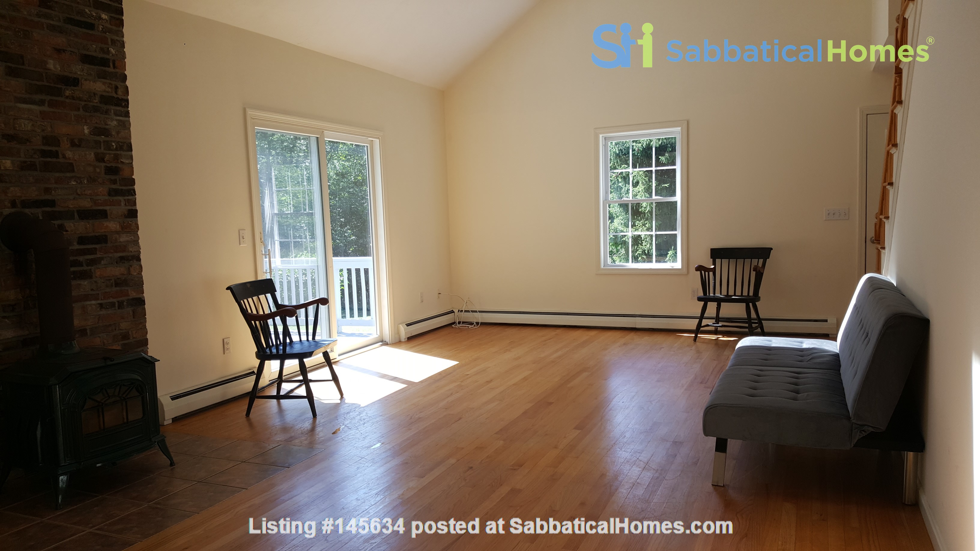 2 bedroom country house / 25 miles North of Boston and Cambridge Home Rental in Andover, Massachusetts, United States 5