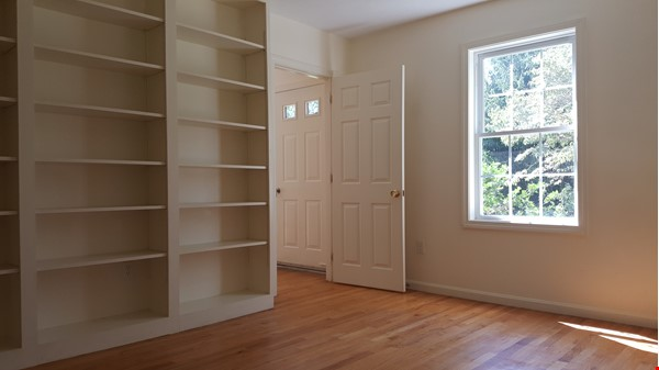 2 bedroom country house / 25 miles North of Boston and Cambridge Home Rental in Andover 6 - thumbnail