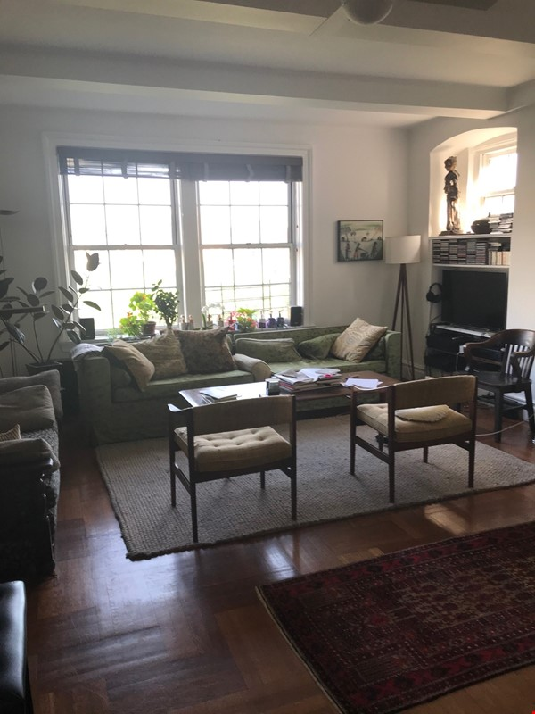 Summer Sublet High Over Washington Square Home Rental in New York 0 - thumbnail