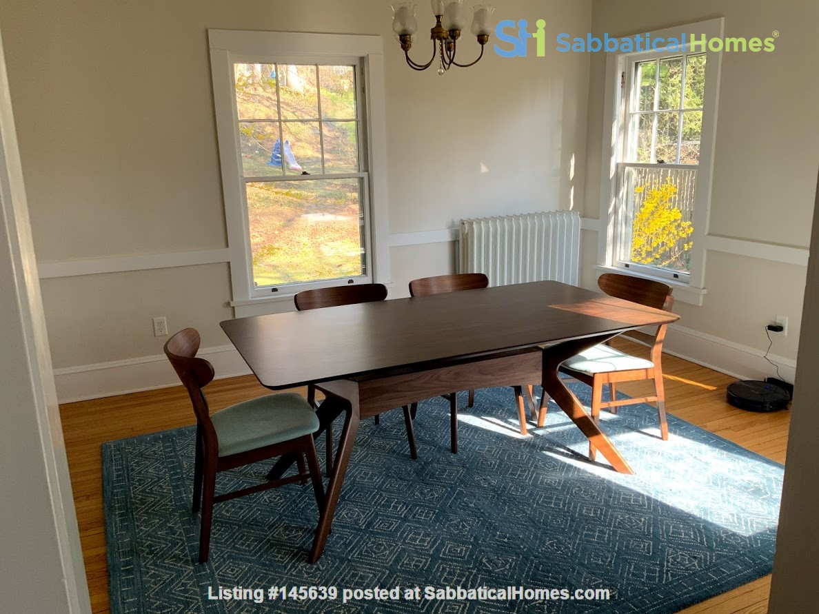 Quiet house next to Cascadilla Gorge, 5 minutes walk to Cornell Campus Home Rental in Ithaca, New York, United States 4